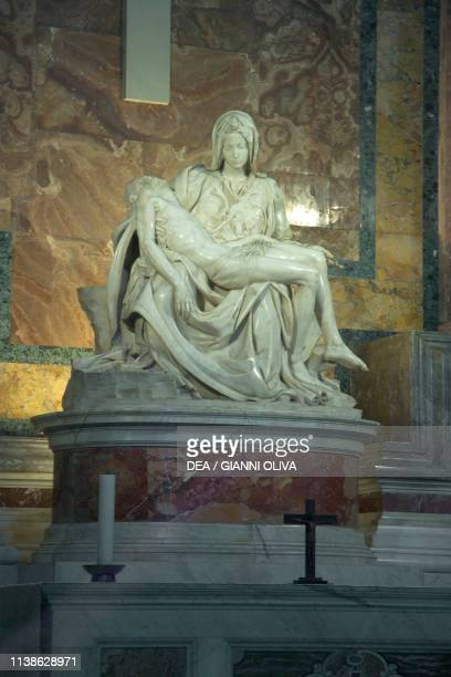 Pieta marble sculpture by Michelangelo Buonarroti St Peter's Basilica Rome Rome Vatican City State 15th century