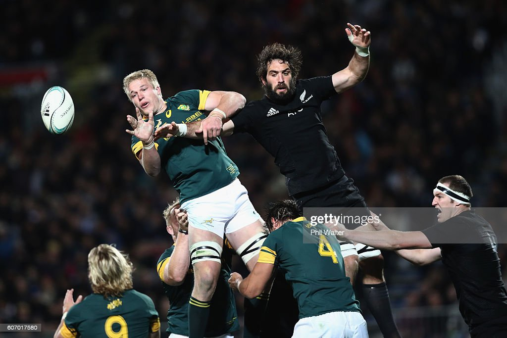 Pieter-Steph Du Toit of South Africa clears the ball from the lineout under pressure from Sam Whitelock of the All Blacks during the Rugby Championship match between the New Zealand All Blacks and the South Africa Springboks at AMI Stadium on September 17, 2016 in Christchurch, New Zealand.
