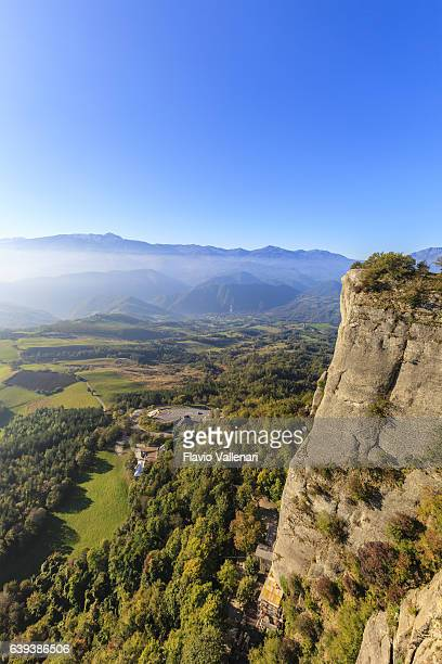 pietra di bismantova - emilia romagna, italy - emilia romagna stock pictures, royalty-free photos & images