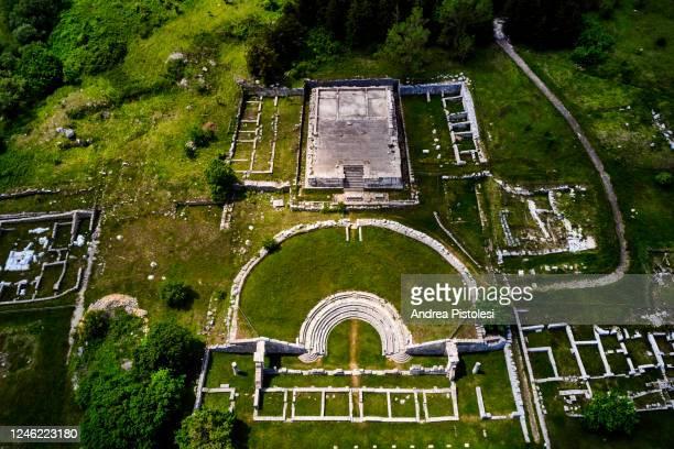 pietracupa archaeological site, roman theatre, molise, italy - molise foto e immagini stock