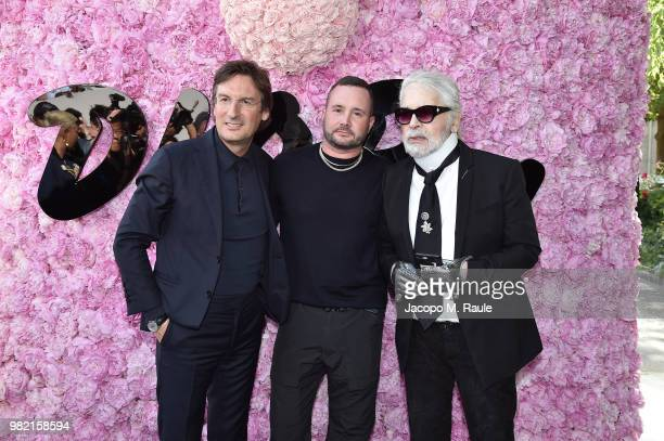 Pietro Beccari Kim Jones and Karl Lagerfeld attend the Dior Homme Menswear Spring/Summer 2019 show as part of Paris Fashion Week on June 23 2018 in...