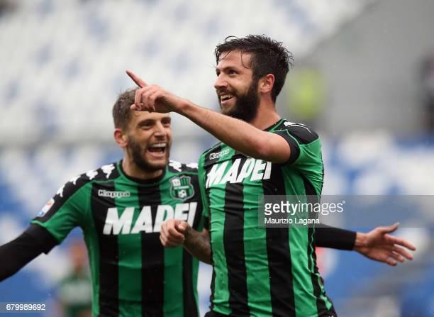 Pietro Iemmello of Sassuoo celebrates his team's second goal during the Serie A match between US Sassuolo and ACF Fiorentina at Mapei Stadium Citta'...