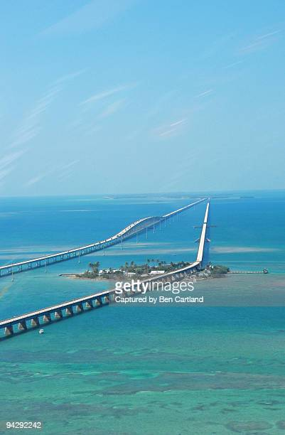 pigeon key from the air - seven mile bridge stock pictures, royalty-free photos & images