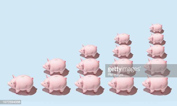 piggy bank bar graph - prosperity stock pictures, royalty-free photos & images