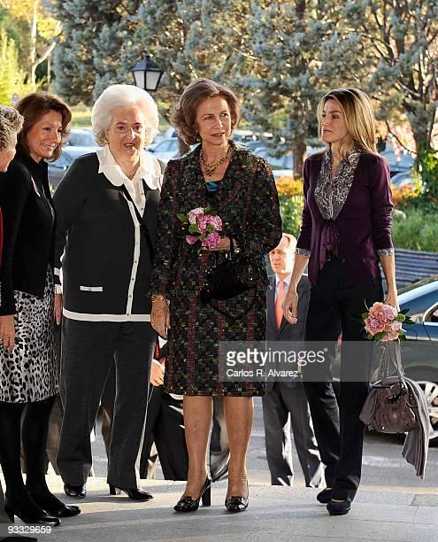 Pilar de Borbon Queen Sofia of Spain Princess Letizia of Spain and visit Rastrillo Nuevo Futuro on November 23 2009 in Madrid Spain