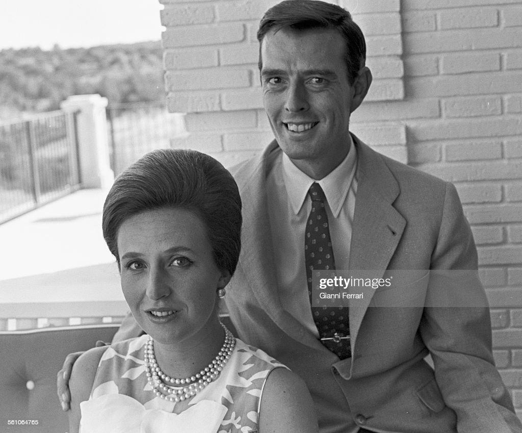 Pilar Of Borbon And Luis Gomez Acebo : Photo d'actualité