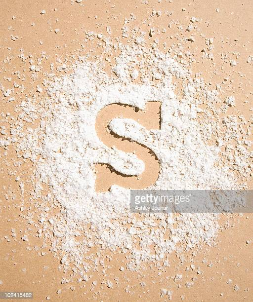 A pile of salt flakes with 'S' shape