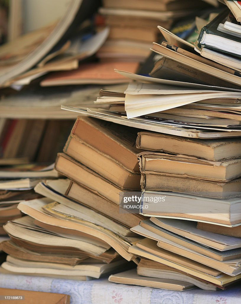 Piles of old books at the flea market : Stock Photo
