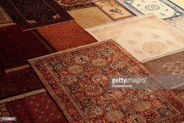 piles of persian rugs - persian rug - fotografias e filmes do acervo