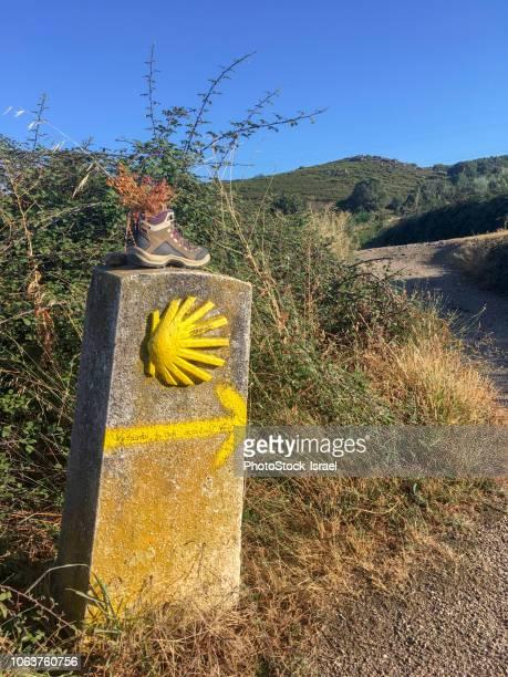 pilgrimage sign camino de santiago, - pilgrimage stock pictures, royalty-free photos & images