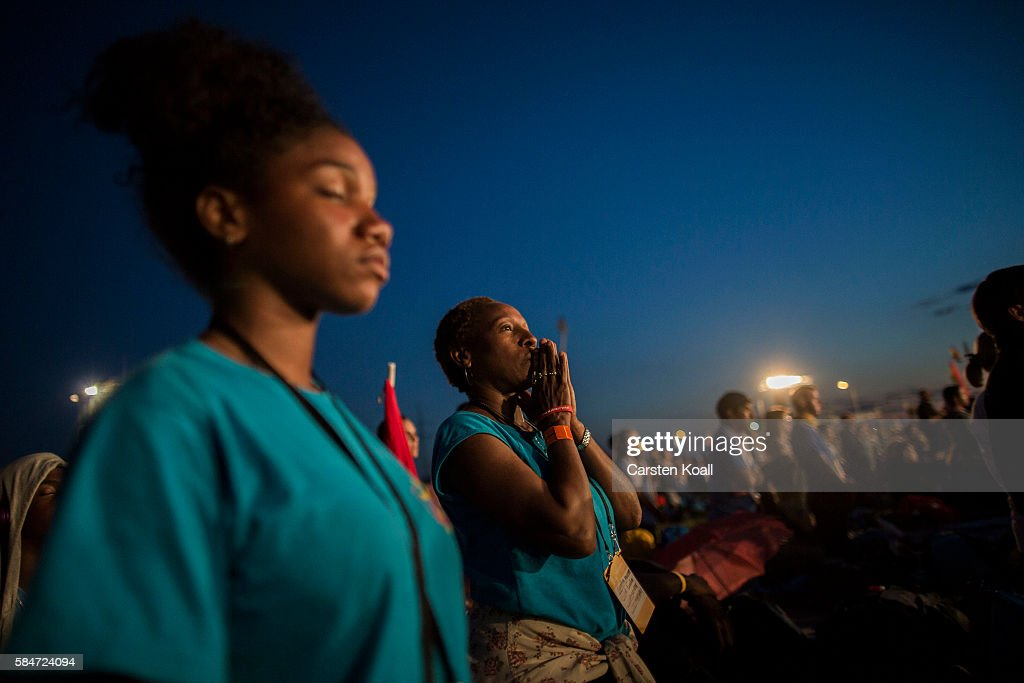Catholics Gather For Pope Visit And World Youth Day : Fotografía de noticias