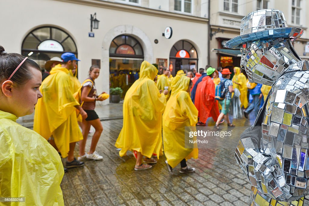 Wet start of the World Youth Day 2016 : News Photo