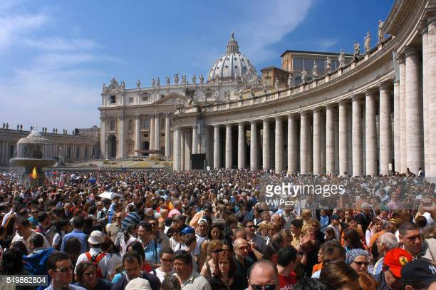 Pilgrims in Easter Mass at St Peter's Basilica Vatican Rome Lazio Italy Europe