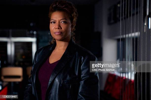 """Pilot"""" -- Coverage of the CBS series THE EQUALIZER, scheduled to air on the CBS Television Network. Pictured: Queen Latifah as Robyn McCall."""