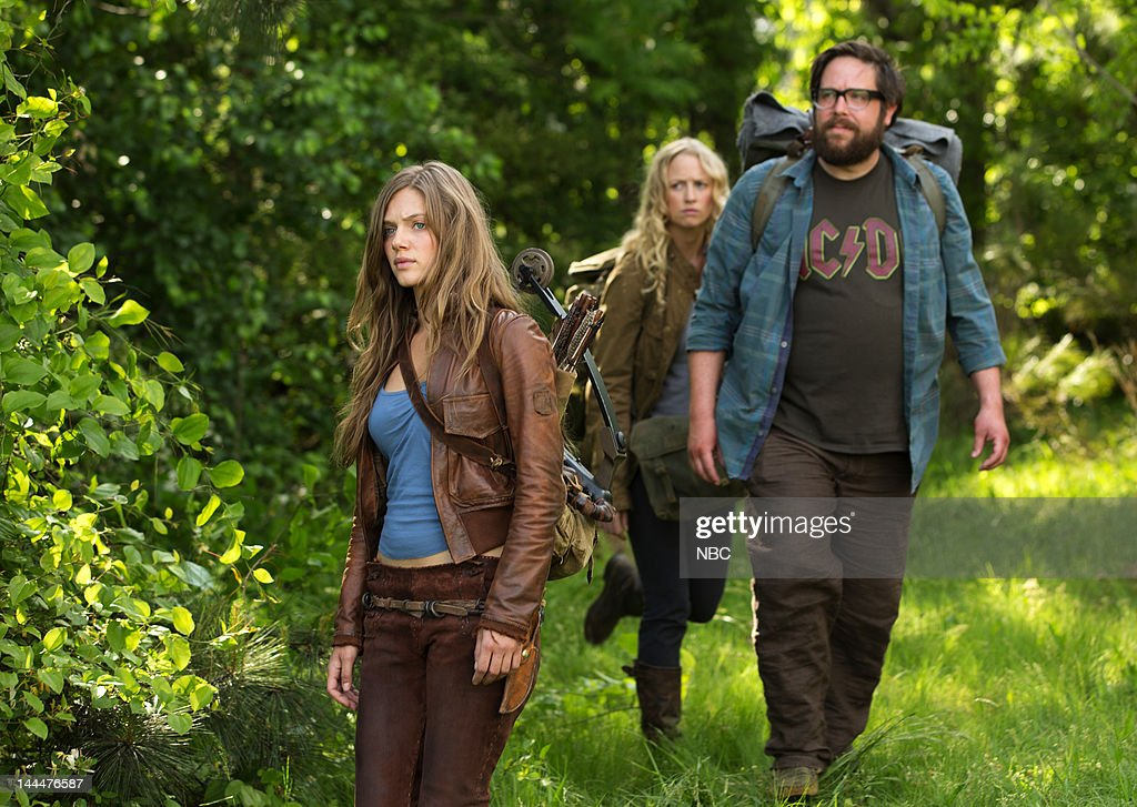 REVOLUTION -- 'Pilot Episode' 101 -- Pictured: (l-r) Tracy Spiridakos as Charlie, Anna Lise Phillips as Maggie , Zak Orth as Aaron --