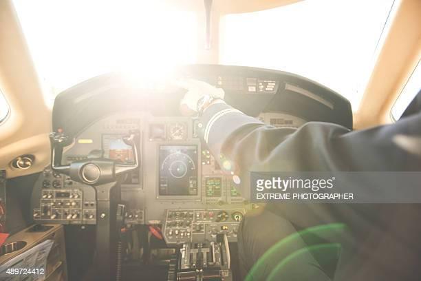 パイロットのプライベートジェット飛行機