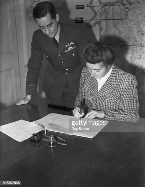 Pilot Margot Gore signs up for the new WAAF Volunteer flying branch at White Waltham Airfield in Berkshire 6th October 1947 Previously serving as a...