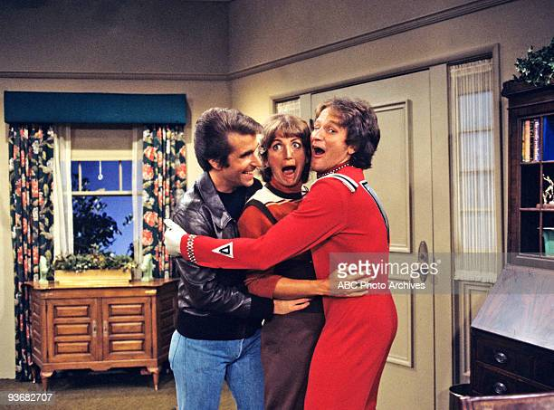 MORK MINDY Pilot part I II 9/14/78 Part I and II of this pilot episode originally aired as an hourlong show In a flashback sequence Mork recalled a...