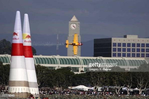 Pilot Steve Jones speeds through the pylons at the Red Bull Air