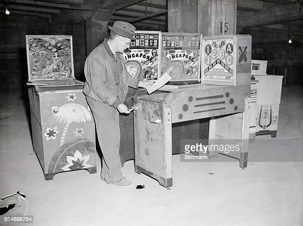 Pinball machines moved to police warehouse Meecker Avenue Greenpoint Brooklyn Over 200 pinball machines which have beeen cluttering police stations...