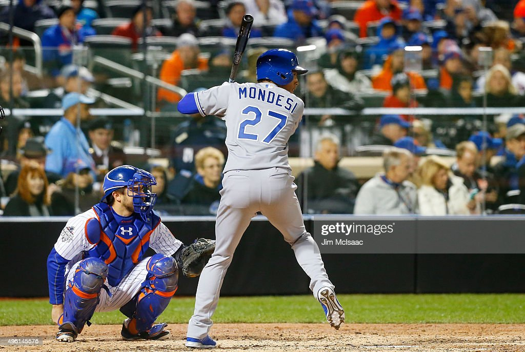 World Series - Kansas City Royals v New York Mets - Game Three : News Photo