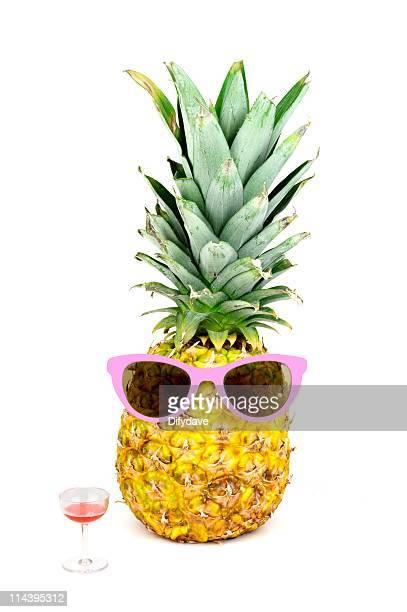 Ananas avec des lunettes de soleil