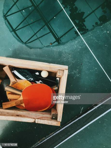 ping pong table tennis table and bats - world championship stock pictures, royalty-free photos & images