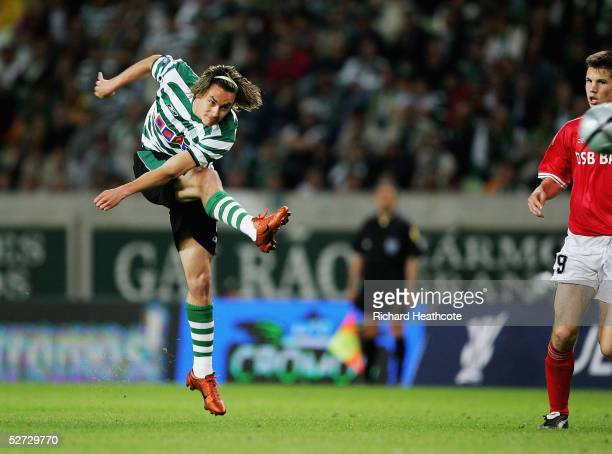 Pinilla of Sporting scores the second goal during The first leg of the UEFA Cup Semi-Final match between Sporting Lisbon and AZ Alkmaar, held at the...