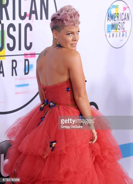 Pink arrives at the 2017 American Music Awards at Microsoft Theater on November 19 2017 in Los Angeles California