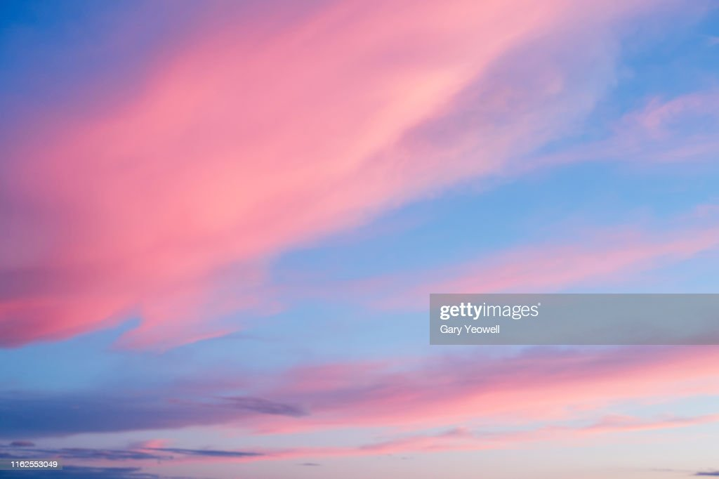Pink clouds at sunset : Photo