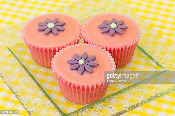 pink cup cakes - andrew dernie stock pictures, royalty-free photos & images