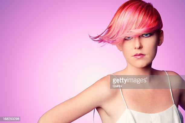 sonhando cor-de-rosa - cabelo curto comprimento de cabelo - fotografias e filmes do acervo