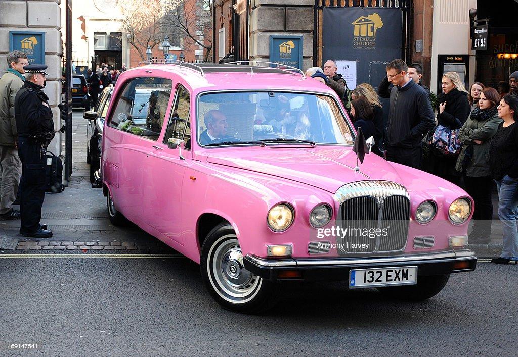 Funeral Of Roger Lloyd-Pack : Nachrichtenfoto