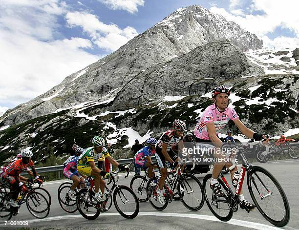 Pink Jersey holder Italy's Ivan Basso climbs up the Alps during the 19th stage of Giro D'Italia cycling tour from Pordenone to San Pellegrino 26 May...