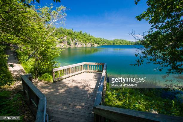 pink lake, gatineau, quebec, canada - gatineau stock pictures, royalty-free photos & images