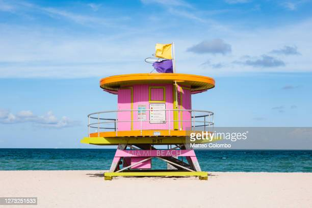 pink lifeguard cabin on south beach, miami, usa - miami stock pictures, royalty-free photos & images