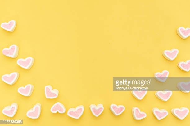 pink marshmallow in a gift box in form of heart on white background, many hearts marshmallows for present, sweets in the form of hearts of marshmallow. valentine's day gift - february background stock pictures, royalty-free photos & images