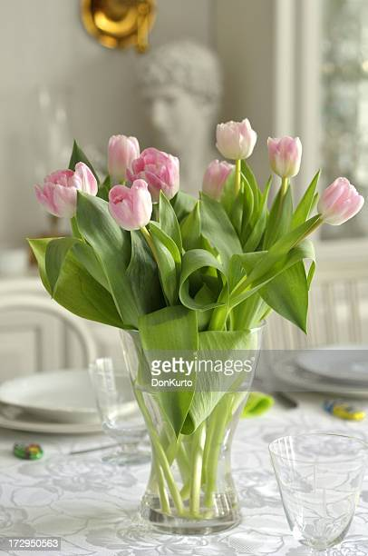 Tulipes rose sur la Table