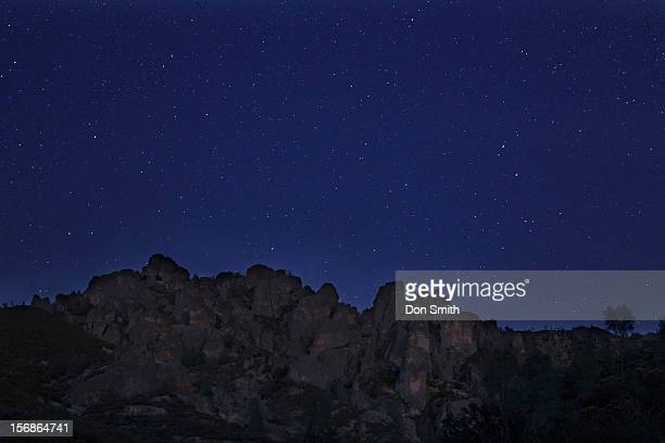 pinnacle high peaks and night sky - pinnacle peak stock pictures, royalty-free photos & images