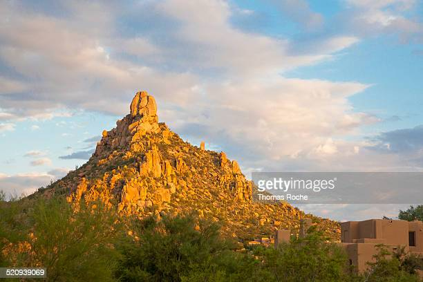 pinnacle peak in scottsdale, arizona - pinnacle peak stock pictures, royalty-free photos & images