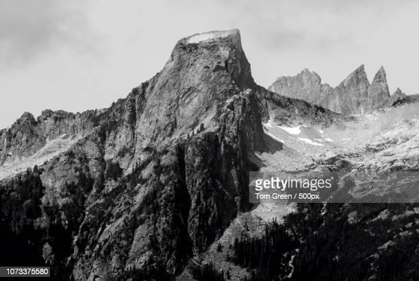 pinnacle peak - pinnacle peak stock pictures, royalty-free photos & images