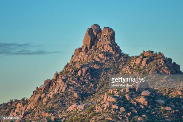 pinnacle peak - pinnacle peak stock-fotos und bilder