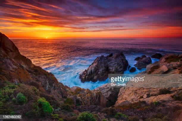 pinnacle peak sunset, point lobos state reserve - pinnacle peak stock-fotos und bilder
