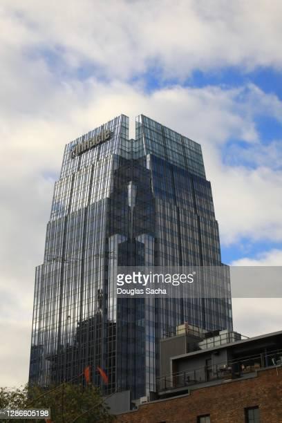 pinnacle tower skyscraper nashville - pinnacle peak stock pictures, royalty-free photos & images
