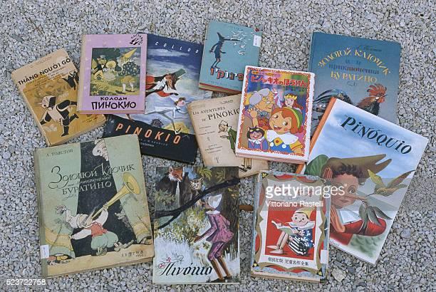 pinocchio books - pinocchio foto e immagini stock