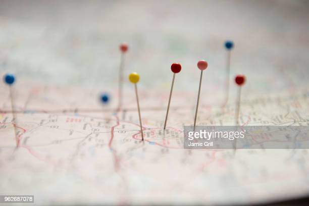 pins on map - cartography - fotografias e filmes do acervo