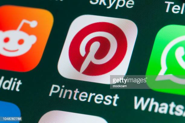 Pinterest, Reddit, Whatsapp and other Apple Apps on iPhone screen