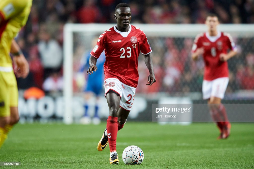 Pione Sisto of Denmark controls the ball during the FIFA World Cup 2018 qualifier match between Denmark and Romania at Telia Parken Stadium on October 8, 2017 in Copenhagen, Denmark.