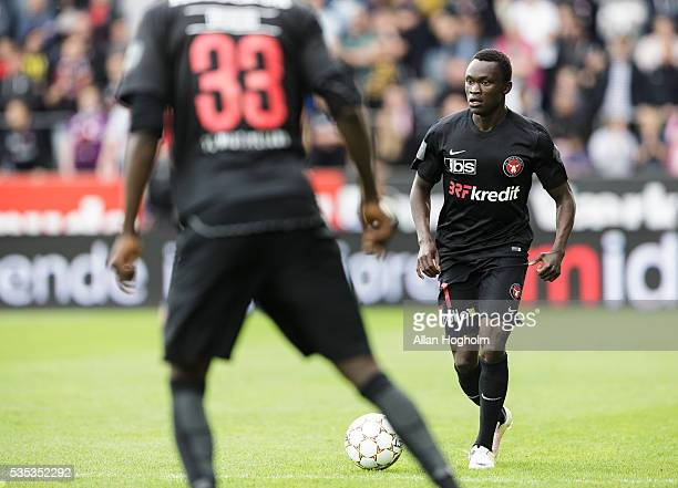 Pione Sisto of FC Midtjylland controls the ball during the Danish Alka Superliga match between FC Midtjylland and FC Nordsjalland at MCH Arena on May...