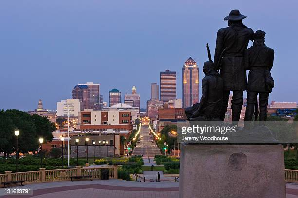 Pioneer Statue with Downtown Des Moines
